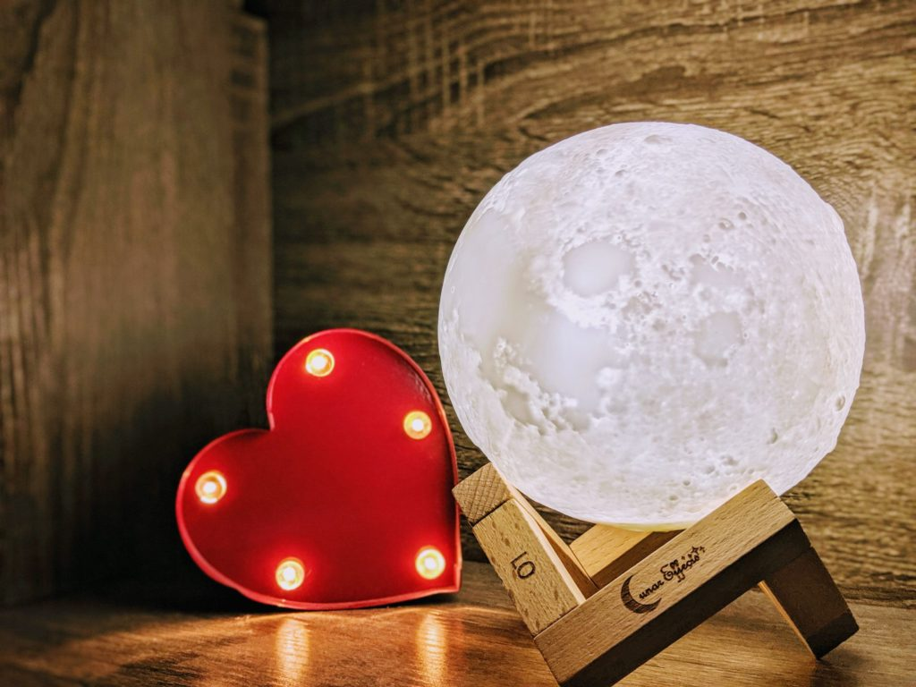 Moon Lamp with heart